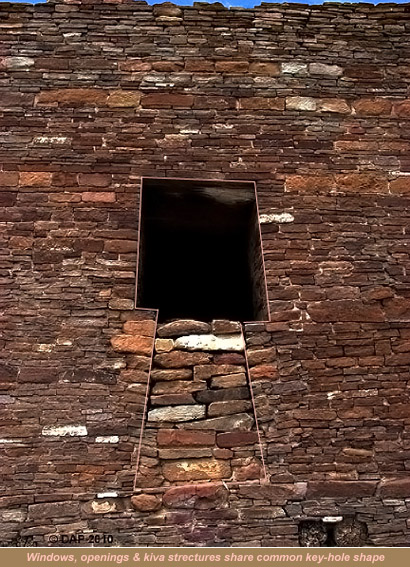 Kin Kletso Keyhole Window