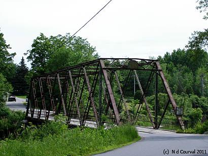 Weybridge bridge crossing Otter Creek